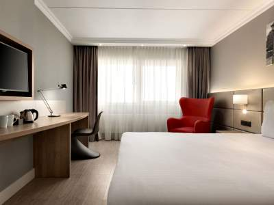 standard bedroom 4 - hotel ramada amsterdam airport - amsterdam, netherlands