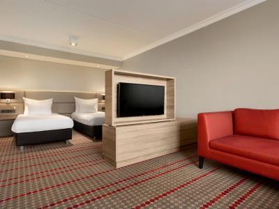 standard bedroom 5 - hotel ramada amsterdam airport - amsterdam, netherlands