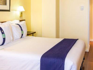 bedroom - hotel holiday inn lisbon - lisbon, portugal