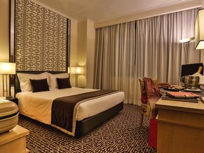 bedroom 1 - hotel mundial - lisbon, portugal