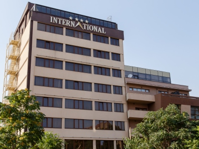 International (Minimum Stay)