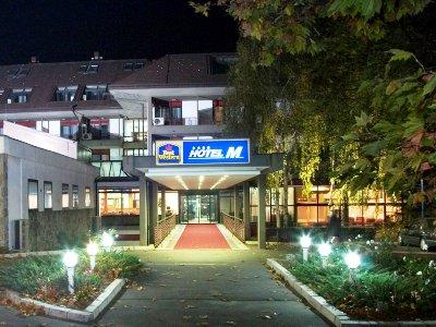 * BEST WESTERN HOTEL M