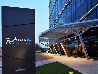 Radisson Blu Plaza (Early Bird)