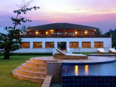 Twin Lotus Resort And Spa