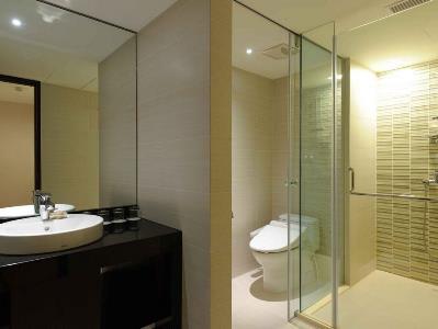 bathroom - hotel k hotel dunnan - taipei, taiwan