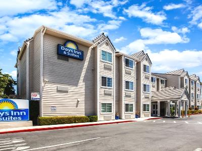 exterior view - hotel days inn and suites by wyndham antioch - antioch, california, united states of america