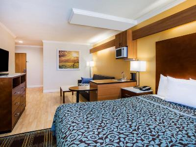 bedroom - hotel days inn and suites by wyndham antioch - antioch, california, united states of america