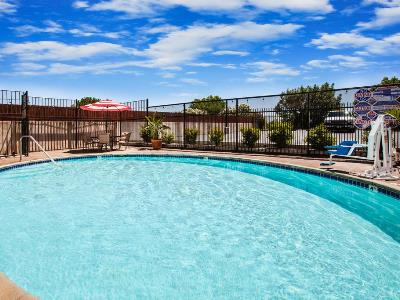 outdoor pool - hotel days inn and suites by wyndham antioch - antioch, california, united states of america