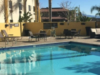outdoor pool - hotel best western plus arrowhead - colton, united states of america