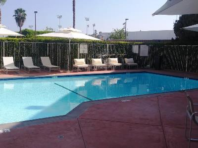 outdoor pool - hotel best western plus commerce - commerce, california, united states of america