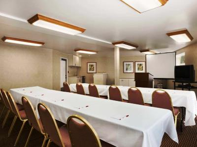 conference room - hotel ramada wyndham costa mesa/newport beach - costa mesa, california, united states of america