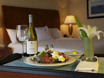 bedroom 2 - hotel hilton garden inn sfo oakland bay bridge - emeryville, united states of america