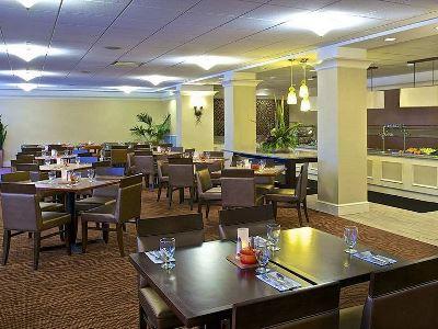 breakfast room 1 - hotel hilton garden inn sfo oakland bay bridge - emeryville, united states of america