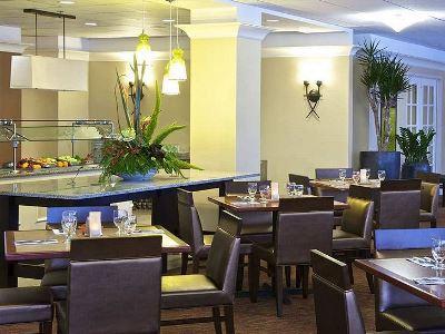 breakfast room - hotel hilton garden inn sfo oakland bay bridge - emeryville, united states of america