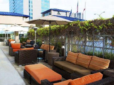 gardens - hotel hilton garden inn sfo oakland bay bridge - emeryville, united states of america