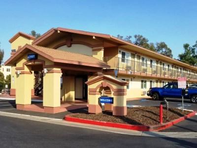 exterior view - hotel americas best value inn suites escondido - escondido, united states of america