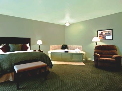 suite 1 - hotel best western plus bayshore inn - eureka, california, united states of america