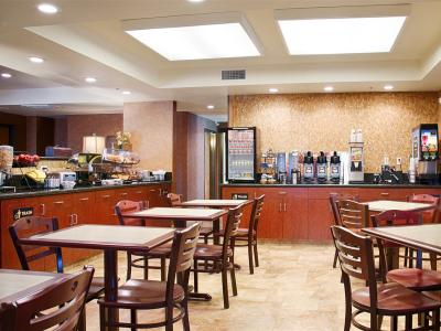 breakfast room - hotel best western exeter inn and suites - exeter, california, united states of america