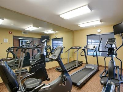 gym - hotel best western exeter inn and suites - exeter, california, united states of america