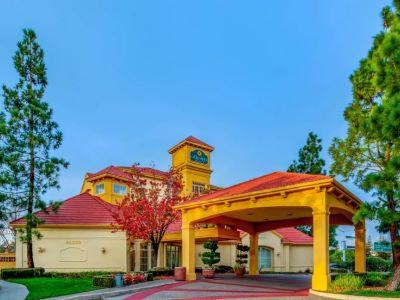 La Quinta Inn N Suites Silicon Valley