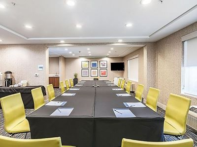conference room - hotel holiday inn exp suites milpitas central - fremont, california, united states of america