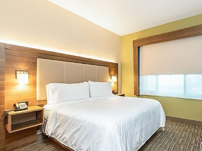 bedroom 1 - hotel holiday inn exp suites milpitas central - fremont, california, united states of america