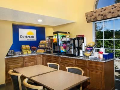breakfast room - hotel days inn by wyndham fremont - fremont, california, united states of america