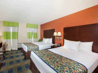 bedroom 2 - hotel days inn by wyndham fremont - fremont, california, united states of america