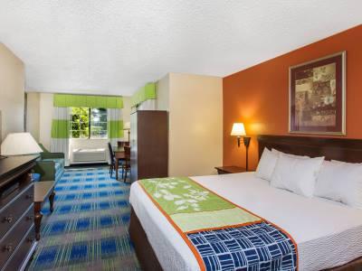 bedroom 1 - hotel days inn by wyndham fremont - fremont, california, united states of america