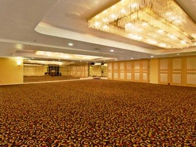 conference room - hotel ramada plaza garden grove - garden grove, united states of america