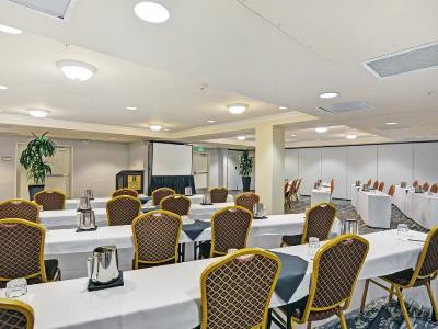 conference room - hotel embassy suites valencia - santa clarita, united states of america