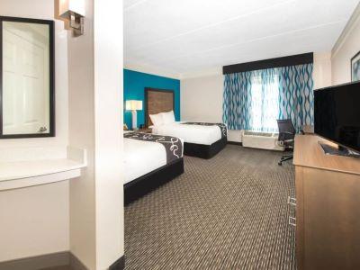 bedroom 3 - hotel la quinta inn tampa brandon regency park - brandon, florida, united states of america