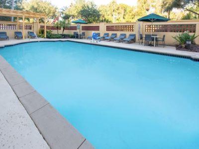 outdoor pool - hotel la quinta inn tampa brandon regency park - brandon, florida, united states of america