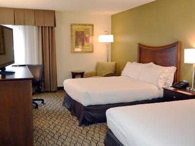 bedroom 2 - hotel holiday inn express tampa brandon - brandon, florida, united states of america