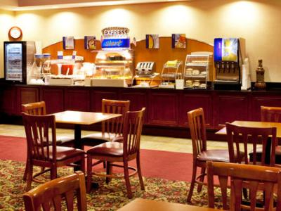 breakfast room - hotel holiday inn express brooksville west - brooksville, united states of america