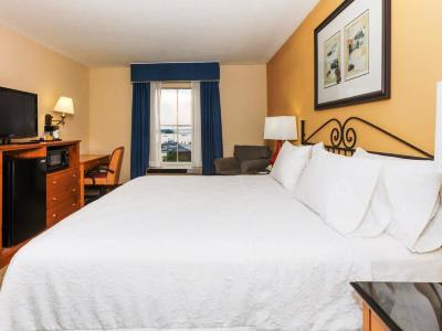 bedroom 3 - hotel hampton inn and suites amelia island - fernandina beach, united states of america