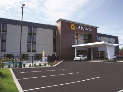 La Quinta Inn Ste By Wyndham Columbus Ms