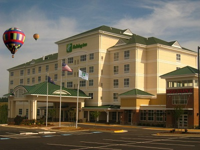 Holiday Inn Suites Blue Ridge Shadows