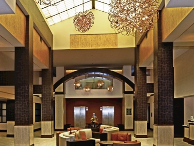 lobby - hotel doubletree by hilton norfolk airport - norfolk, virginia, united states of america