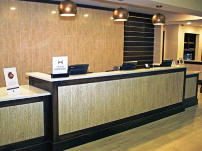 lobby 1 - hotel doubletree by hilton norfolk airport - norfolk, virginia, united states of america