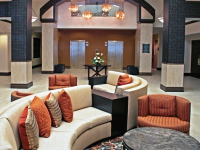 lobby 2 - hotel doubletree by hilton norfolk airport - norfolk, virginia, united states of america