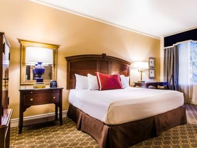 bedroom - hotel roanoke conference cntr,curio collection - roanoke, virginia, united states of america
