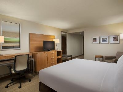 bedroom 2 - hotel holiday inn grand rapids airport - kentwood, united states of america
