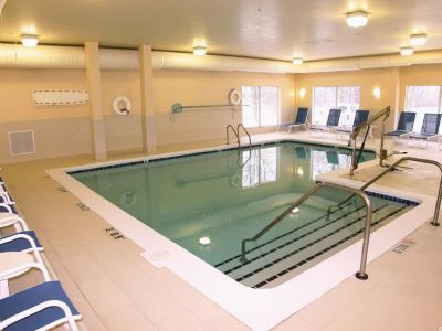 indoor pool - hotel holiday inn grand rapids airport - kentwood, united states of america