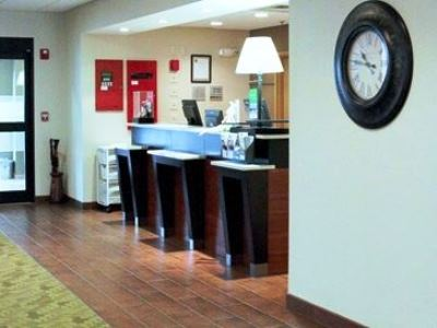 lobby - hotel hampton inn and suites - tilton, united states of america