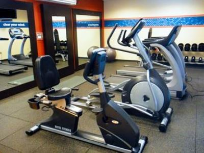 gym - hotel hampton inn and suites - tilton, united states of america