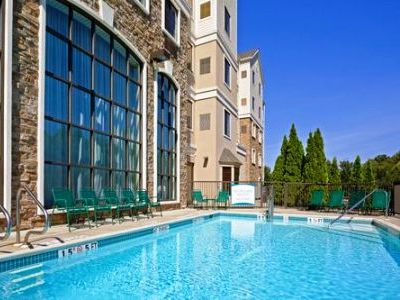 outdoor pool - hotel homewood suites by hilton eatontown - eatontown, united states of america