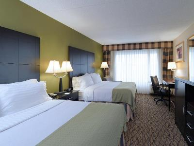 bedroom 1 - hotel ramada plaza by wyndham totowa - totowa, united states of america
