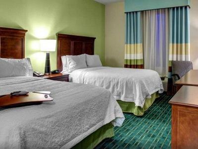 bedroom 1 - hotel hampton inn and suites coconut creek - coconut creek, united states of america