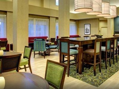 breakfast room - hotel hampton inn and suites coconut creek - coconut creek, united states of america